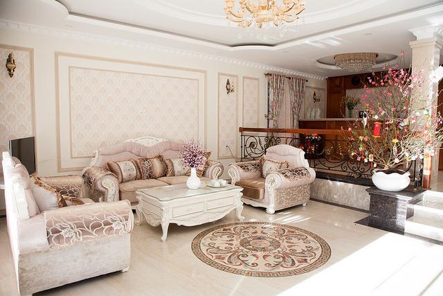 Khách sạn Hoa Sen Vàng