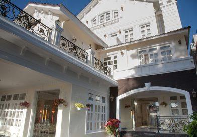Khách sạn Hoa Sen Vàng Đà Lạt