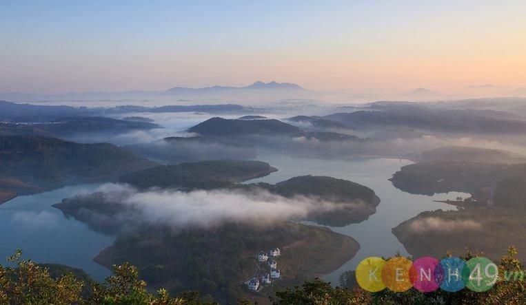 Hồ Tuyền Lâm, một trong những địa điểm du lịch ở đà lạt