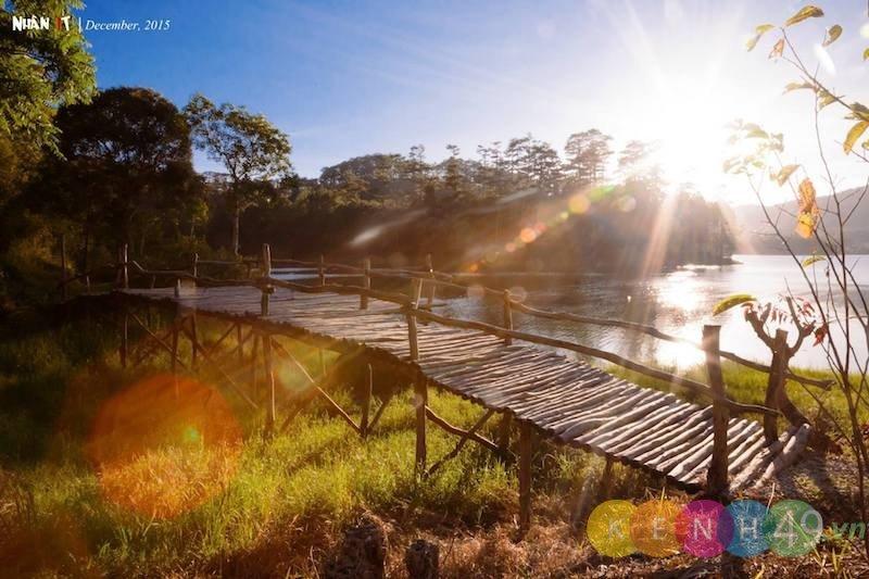 Cầu gỗ hồ Tuyền Lâm Đà Lạt