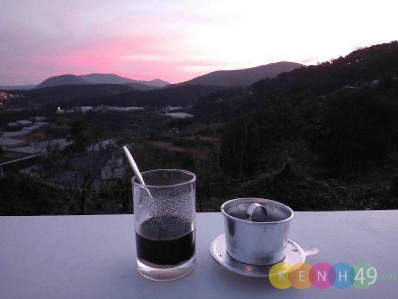 Cà phê ngắm thung lũng tại Sweet Home Homestay