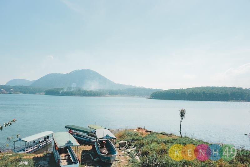 Một góc hồ Tuyền Lâm